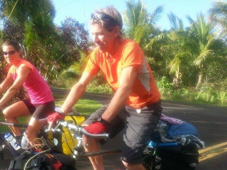 Dave Weil Bike Panniers Hawaii 75 Crop